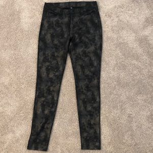 Design Lab Patterned Jeans/Jeggings - Small